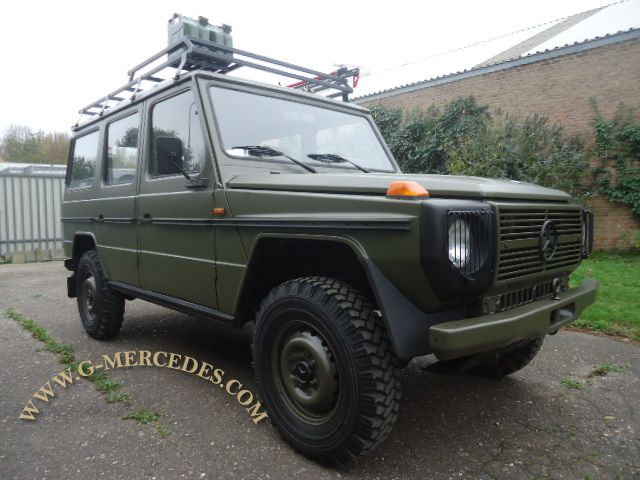 Very rare militairy 4-door !!!