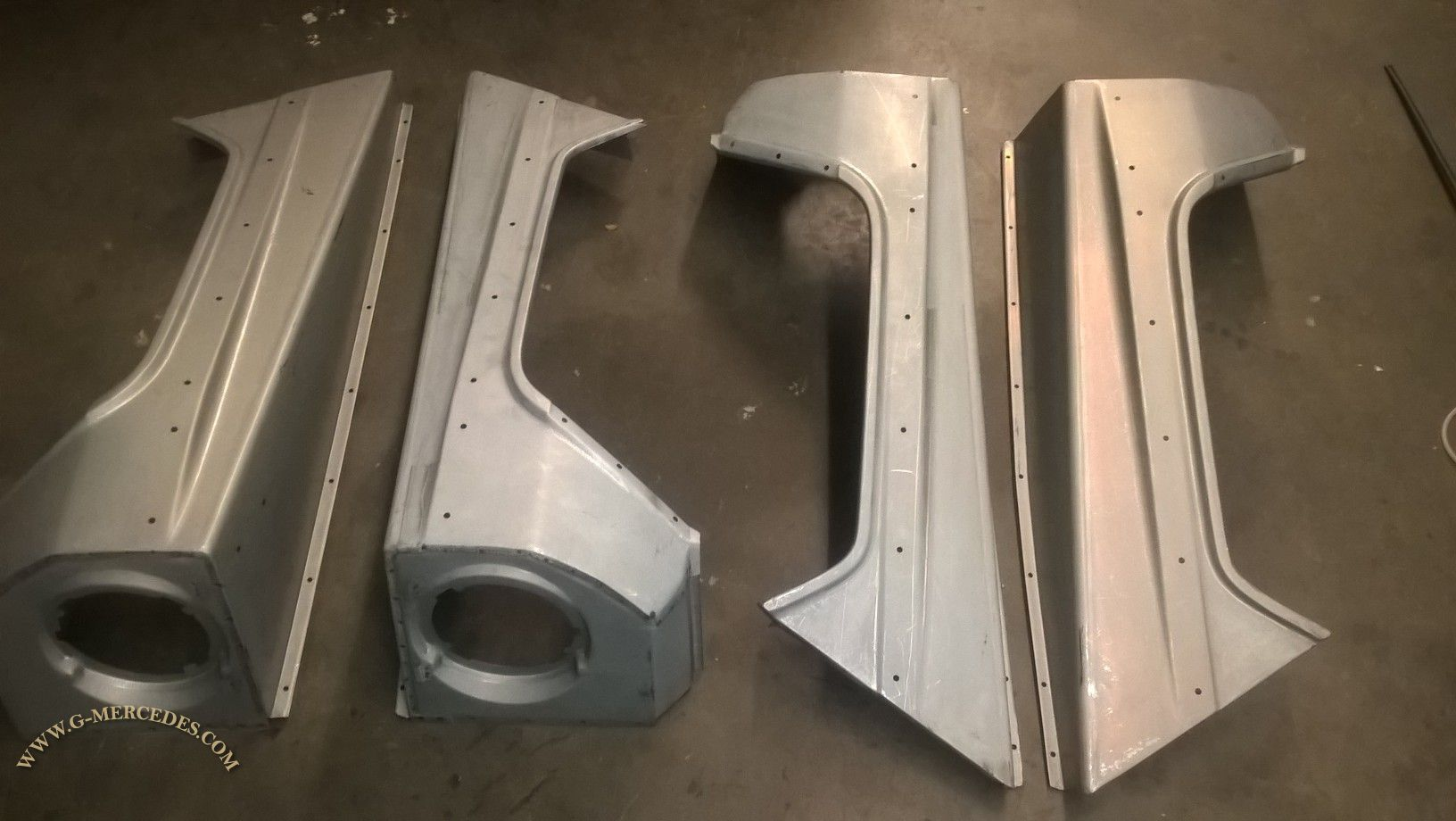 Reproduction front fenders for 460